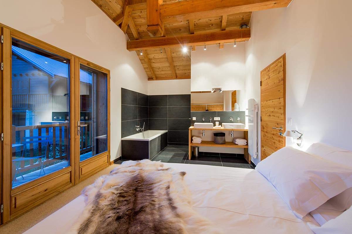 constructeur maison poteau bois poutre bois hautes alpes boulot sarl. Black Bedroom Furniture Sets. Home Design Ideas